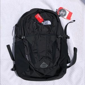 The North Face women's RECON Backpack NWT black